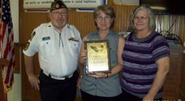 Post 284 presents award