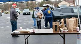 """Veterans declare, """"No one should go hungry at Christmas time"""""""
