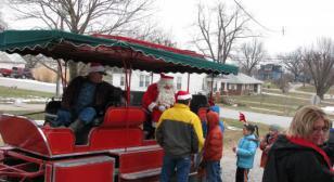 Robinson-Beeching Post 508 Brings Santa Claus to Town
