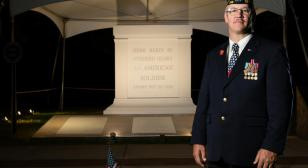 Tomb of the Unknown Soldier replica allows Wisconsinites to see monument up close