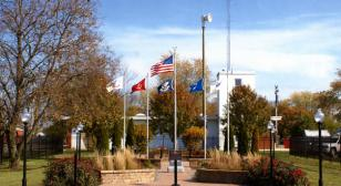 Illinois town bands together to fund veterans memorial
